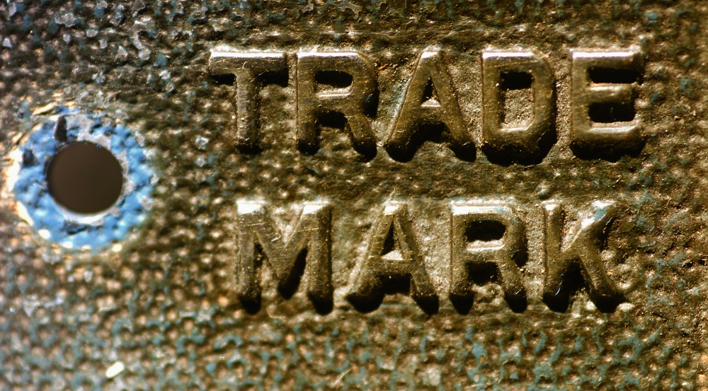 The cross-over protection between trade marks and company